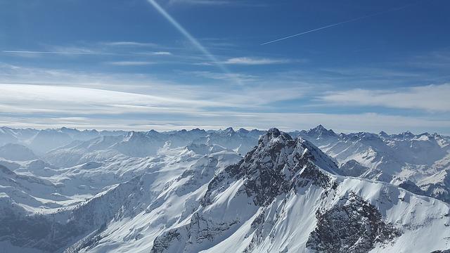 Verschneite Berge in Österreich